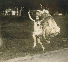 authentic fauxhemian - deviatesinc: Loie Fuller / Vintage Movement <3