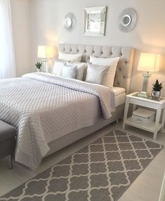 Small Master Bedroom Ideas - Lots of people find their home small, and typically, most of them hardly accept their small space. Nevertheless, there are still a couple of advantages that you can obtain having a small space in the bedroom. Small Master Bedroom, Dream Bedroom, Home Bedroom, Bedroom Furniture, Furniture Plans, Modern Bedroom, Kids Furniture, Fall Bedroom Decor, Bedroom Inspo