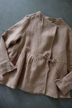 Linen blouse/jacket Source by zorapopov blouse Fashion Sewing, Boho Fashion, Fashion Dresses, Womens Fashion, Sewing Clothes, Diy Clothes, Clothes For Women, Stylish Dresses, Simple Dresses
