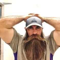 Amazing Beard Styles from Bearded Men Worldwide Beard And Mustache Styles, Beard No Mustache, Hair And Beard Styles, Beard Game, Epic Beard, Grey Beards, Long Beards, Mens Facial, Facial Hair
