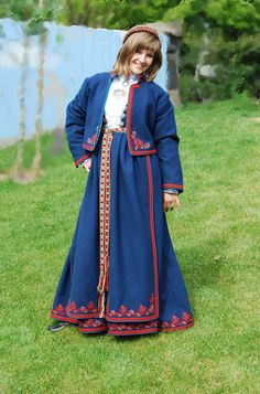 FolkCostume&Embroidery: Costume and 'Rosemaling' Embroidery of West Telemark, Norway Norway Clothes, Folk Costume, Costumes, Norwegian Clothing, Nordic Vikings, Traditional Outfits, Embroidery, Coat, Oslo