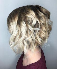 Summery blonde babe still shot from my previous #instavideo. #btconeshot_curls16 #btconeshot_hairpaint16 #btconeshot_color16 #sombre #olaplex #kenraprofessional #schwarzkopf #blondeme #ice #imallaboutdahair #behindthechair #modernsalon #americansalon #emilyandersonstyling