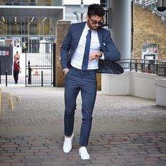 40 Fabulous Work Menswear To Wear Every Morning - Cool Mens Sneakers, Suits And Sneakers, Sneakers Fashion, Men's Sneakers, White Sneakers, Mens Fashion Suits, Mens Suits, Fashion Shirts, Man Fashion