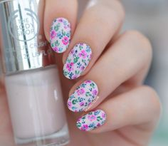 Magenta & Navy Abstract Floral Nail Art for #WNAC2015 August | Lacquerstyle | kgrdnr