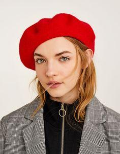 Basic beret - Caps & Hats - Accessories - Woman - PULL&BEAR Bosnia and Herzegovina