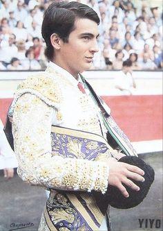 "El torero Jose Cubero ""Yiyo"" Tango, Vintage Photos, Men Dress, Sexy Men, Lace Skirt, Beautiful People, Dancer, Skin Care, My Love"