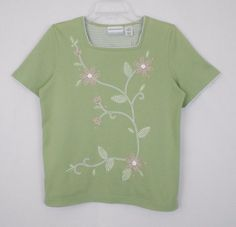 Alfred Dunner Top Petites Green Size PS Cotton Blend Short Sleeve Embellished - An embroidered and appliqued detail front is featured  in this Alfred Dunner Petites short sleeve green top.