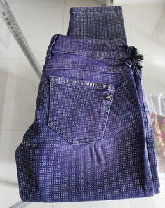 Jeans skinny viola con brillantini