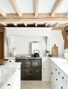 Leoni Hogan-Duvall & her Neptune Chichester kitchen in century listed barn in Kent. Cabinets painted in Shell. Neptune Kitchen, Kitchen In, Rustic Kitchen Cabinets, Kitchen On A Budget, Kitchen Layout, Home Decor Kitchen, Kitchen Design, Neptune Home, Soapstone Kitchen