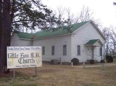 Little Zion Baptist Church Greenwood, Mississippi - Robert Johnson buried in the graveyard