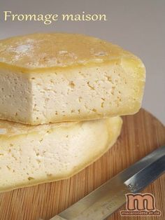 Fromage maison - Macaronette et cie - Amazing Foods Menu Recipes Snacks To Make, Easy Snacks, Raw Food Recipes, Vegetarian Recipes, Fromage Vegan, Cheese Maker, Queso Cheese, Artisan Cheese, Homemade Cheese
