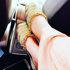 Wedding Shoes Designer Zapatos New Ideas Stylish Girl Images, Stylish Girl Pic, Stylo Shoes, Punjabi Fashion, India Fashion, Bridal Sandals, Indian Designer Wear, Luxury Shoes, Swagg