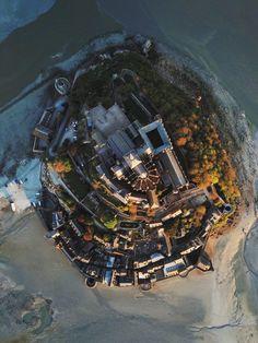 Mont Saint Michel, Le Havre, City Photo, Cool Photos, Saints, Sci Fi, Castle, Instagram, Marine Environment