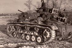 panzer III ausf L tank Army Vehicles, Armored Vehicles, Battle Of Moscow, Tank Destroyer, Armored Fighting Vehicle, Ww2 Tanks, World Of Tanks, Big Guns, World History