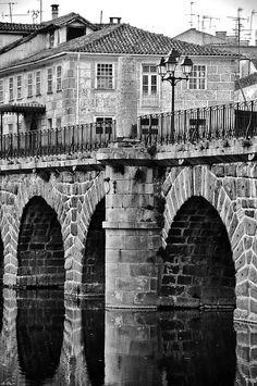 Ponte romana de Chaves,  by frproart, via Flickr