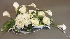 Znalezione obrazy dla zapytania stroiki całoroczne na cmentarz Beautiful Flower Arrangements, Floral Arrangements, Beautiful Flowers, Grave Flowers, Funeral Flowers, Grave Decorations, Flower Decorations, Easter Bunny Images, Modern Floral Design