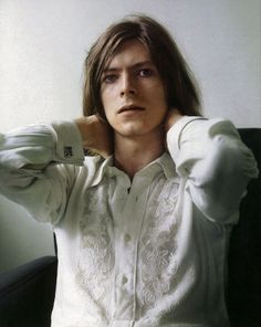 """""""David Bowie, 1971, in a Brian Ward photo shoot for the cover of Hunky Dory."""""""