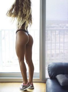 The Best Butt Exercises for Building Head-Turning Glutes