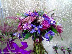 mocne kolory w bukiecie ślubny, fioletowy bukiet ślubny Floral Wreath, Wreaths, Home Decor, Flower Crowns, Door Wreaths, Deco Mesh Wreaths, Interior Design, Home Interior Design, Home Decoration