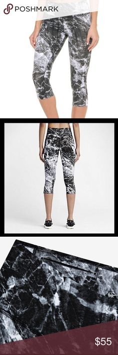 🏃🏻‍♀️ Nike Legendary Engineered Marble Training Brand new without tags, tags were removed because they were wrinkled.  Still in new condition.  This is in a great marble pattern! Wish this was my size!! Hard to find! Nike Pants Leggings