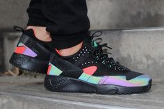 "Nike Air Huarache Utility PRM ""Bright Crimson"""