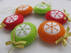 Set of 6 felt ornaments