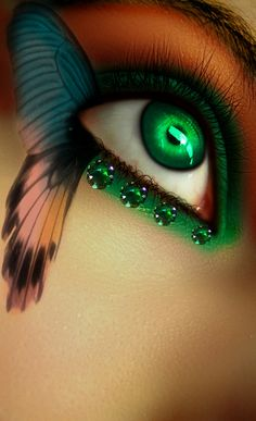Beautiful butterfly themed eye makeup enhanced with four emerald gems. Pretty Eyes, Cool Eyes, Beautiful Eyes, Amazing Eyes, Make Up Art, Eye Make Up, Crazy Eye Makeup, Butterfly Eyes, Butterfly Makeup