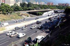 Autopista Francisco Fajardo permanecerá cerrada por cuatro semanas
