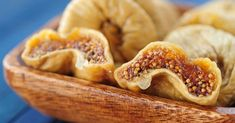You may add dried fruits in your cereal for a healthy breakfast. We therefore recommend snacks for healthy eating and healthy living, fitness and diet for health. Fig Recipes, Greek Recipes, Healthy Recipes, Dried Figs, Dried Fruit, Healthy Fruits, Fruits And Veggies, Healthy School Snacks, Food And Drink