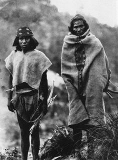 Two Tarahumara (or Rarámuri) men from the northern Mexican state of Chihuahua, photographed by the Norwegian explorer Carl S. Lumholtz in 1892.