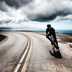 source – Scott McKelvy – Sport is lifre Cycling Art, Road Cycling, Cycling Bikes, Snowboard, Bike Photography, Cycling Motivation, Skate, Road Bike Women, Bike Reviews