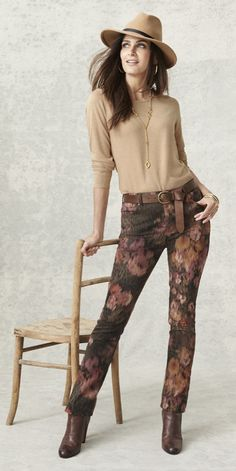 What's more perfect for fall than these floral jeggings? They're so chic with an autumn-inspired abstract pattern.