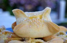 Παραδοσιακά χανιώτικα καλιτσούνια - cretangastronomy.gr Garlic, Dairy, Bread, Cheese, Vegetables, Sweet, Food, Veggies, Essen