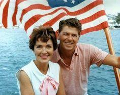 Нэнси и Рональд Рейган. Теперь навеки вместе.