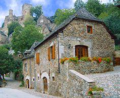 Belcastel - Gîte Bessière - Beautiful stone house - Aveyron dept. - Midi-Pyrénées région, France     ...www.ty-gites.com