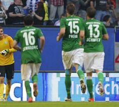 Bremen bleibt cool - Bundesliga - Im ersten Spiel ohne Klaus Allofs gewann Werder Bremen mit 2:1 gegen Fortuna Düsseldorf.