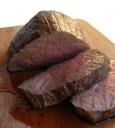 Chateaubriand - Roasted Beef Tenderloin with Wine Sauce for Christmas or New Year's Eve!
