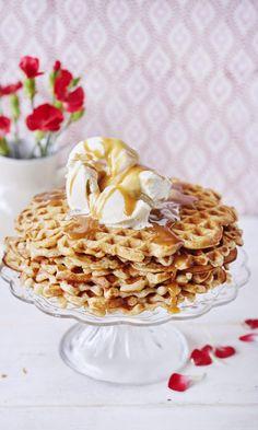 Omenavohvelit | Maku Cereal, Pancakes, Food Porn, Pie, Vegetarian, Baking, Breakfast, Desserts, September