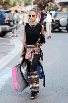 Nicole Richie in Givenchy dress and pants very #boho-sophistichic