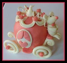 In pasta di zucchero: La carrozza di Cenerentola... col suo cocchiere