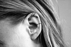 15 Tiny Ear Tattoos That Are Even Better Than Piercings Daith Ear Piercing, Unique Ear Piercings, Different Ear Piercings, Cute Piercings, Multiple Ear Piercings, Little Tattoos, Mini Tattoos, Small Tattoos, Ear Tattoos