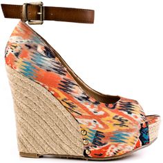Mix up your style like a DJ in this Chinese Laundry wedge. DJ Mix brings you an orange tribal print upper to get in touch with your earthy side. An adjustable ankle strap and an espadrille covered 5 inch wedge and 1 1/2 inch platform complete this fun style.