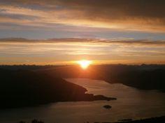 L'alba dalla vetta del #Mottarone http://ilvergante.com/2014/07/16/dal-lago-alla-vetta-con-avis-stresa-a-guardar-lalba-dal-mottarone/ ( #Stresa #Verbania #Piedmont #Italy )