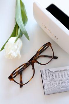 Homevialaura   White tulips   Versace tortoise eyewear
