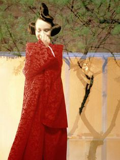 comme des garcons s/s 1997 rtw, a modern geisha by jerome esch for the naarden photo festival