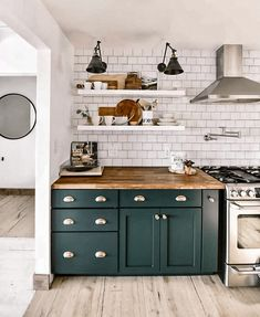 27 Beautiful green kitchen ideas you will want to try beautiful green kitchen cabinets;green kitchen ideas;green kitchen walls;green kitchen island;green kitchen cabinets farmhouse;green kitchen backsplash;green kitchen countertops; Home Decor Kitchen, Kitchen Interior, New Kitchen, Home Kitchens, Kitchen Hacks, Blue Kitchen Furniture, Kitchen Ideas, Green Kitchen Cabinets, Luxury Kitchens