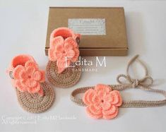 Crochet bebé niña conjunto, sandalias gladiador, tieback, botines, zapatos de bebé niña, sandalias de la flor, regalo para bebé, ropa de playa, talla 0-3, 3-6 meses