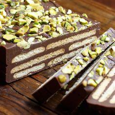 Kiksekage - Chocolaty Biscuit Cake — Sweet • Sour • Savory