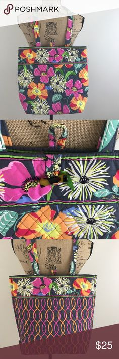 Vera Bradley Floral Bag Medium Sized Bag, Super Cute! Vera Bradley Bags Totes