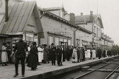 Vilinää Riihimäen asemalla 1920-luvulla.